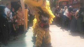 Kegiatan UKM Barongsai Widyatama mengisi pameran pendidikan di SMA 23 Bandung